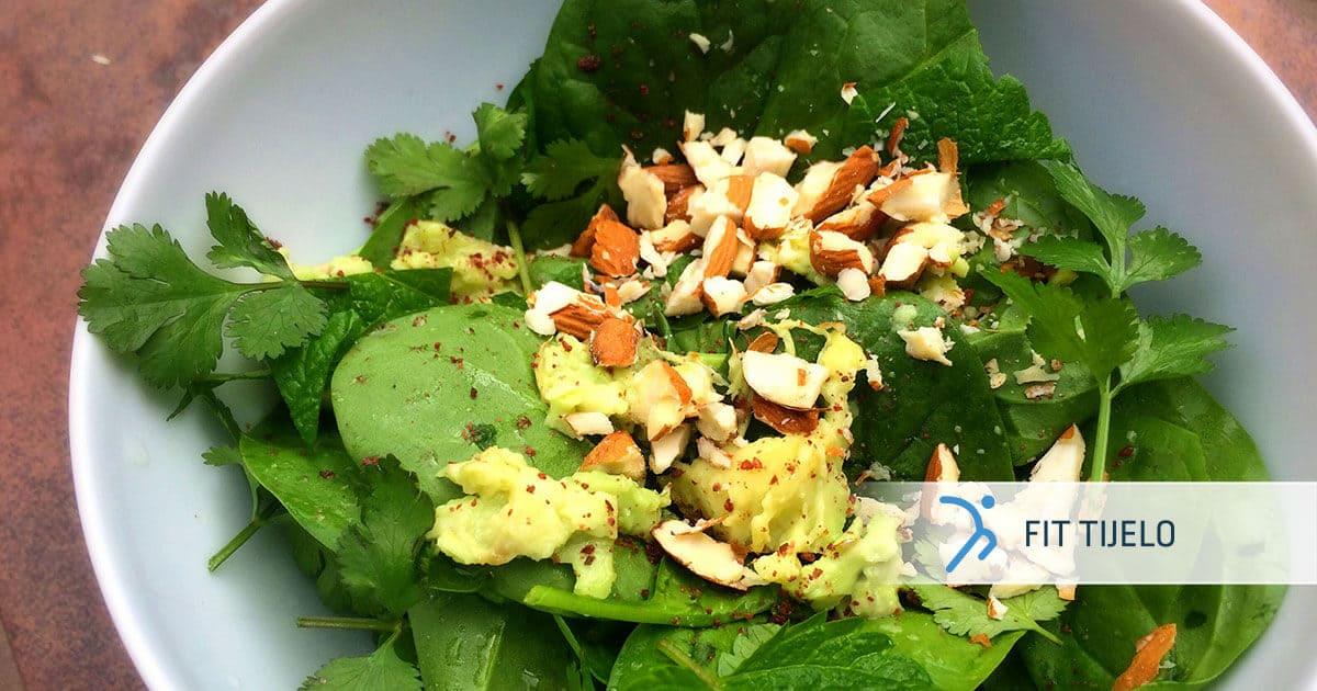 FT-recepti-lisnata-salata-s-bademima-i-avokadom