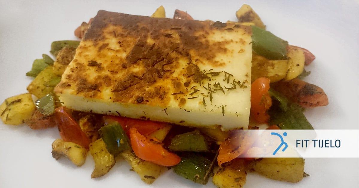 Sir na žaru na posteljici od povrća