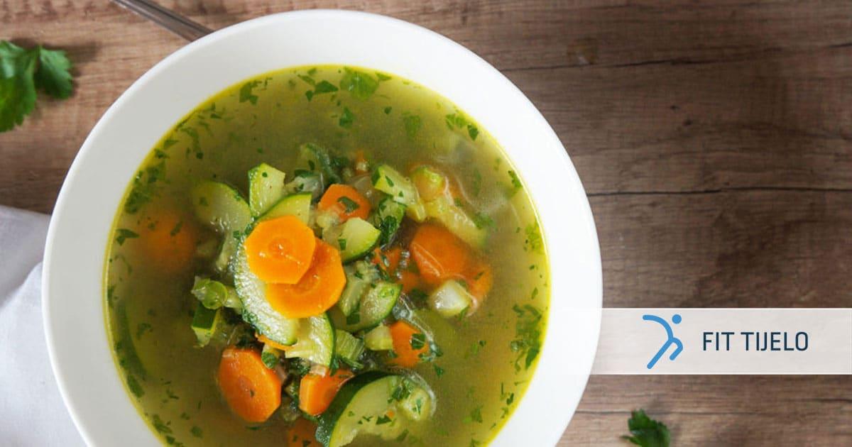 Nježna povrtna juha s mirisnim biljem