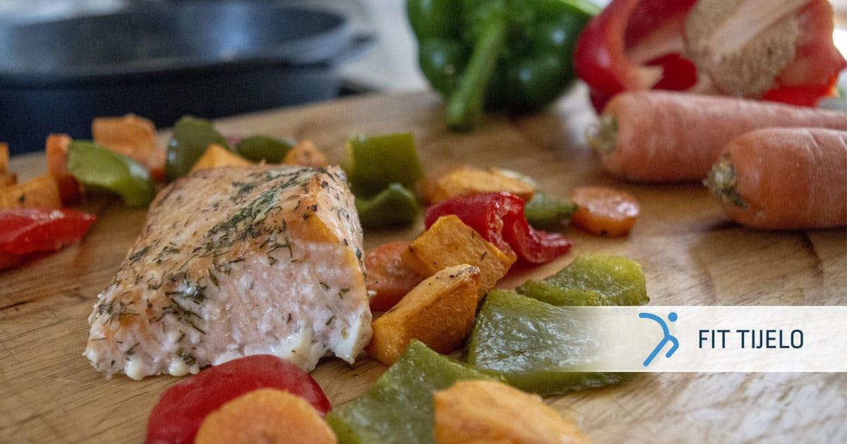Losos sa sočnim povrćem i batatom