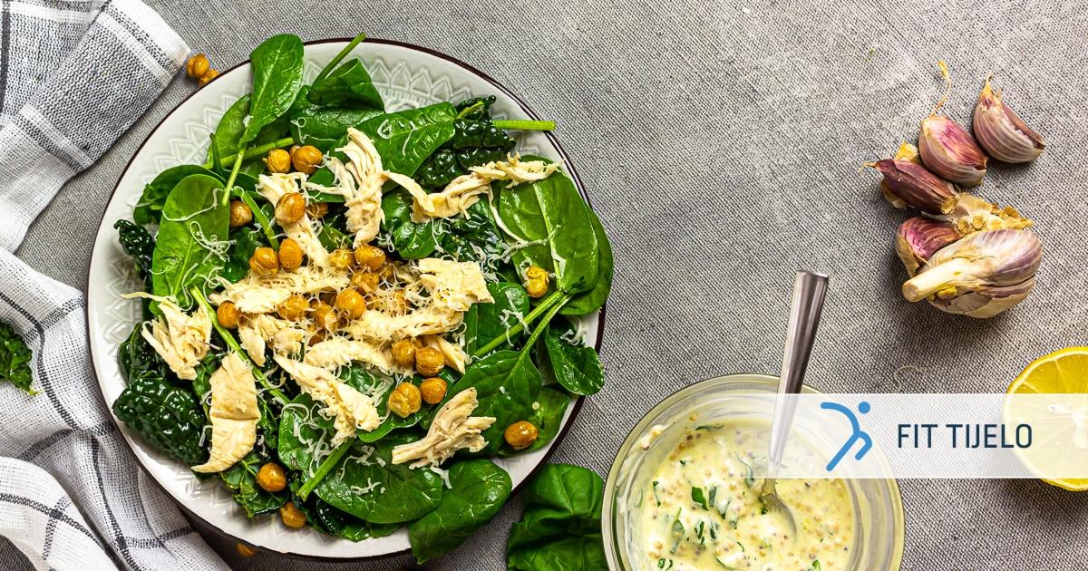 Cezar salata s kovrčavim keljom